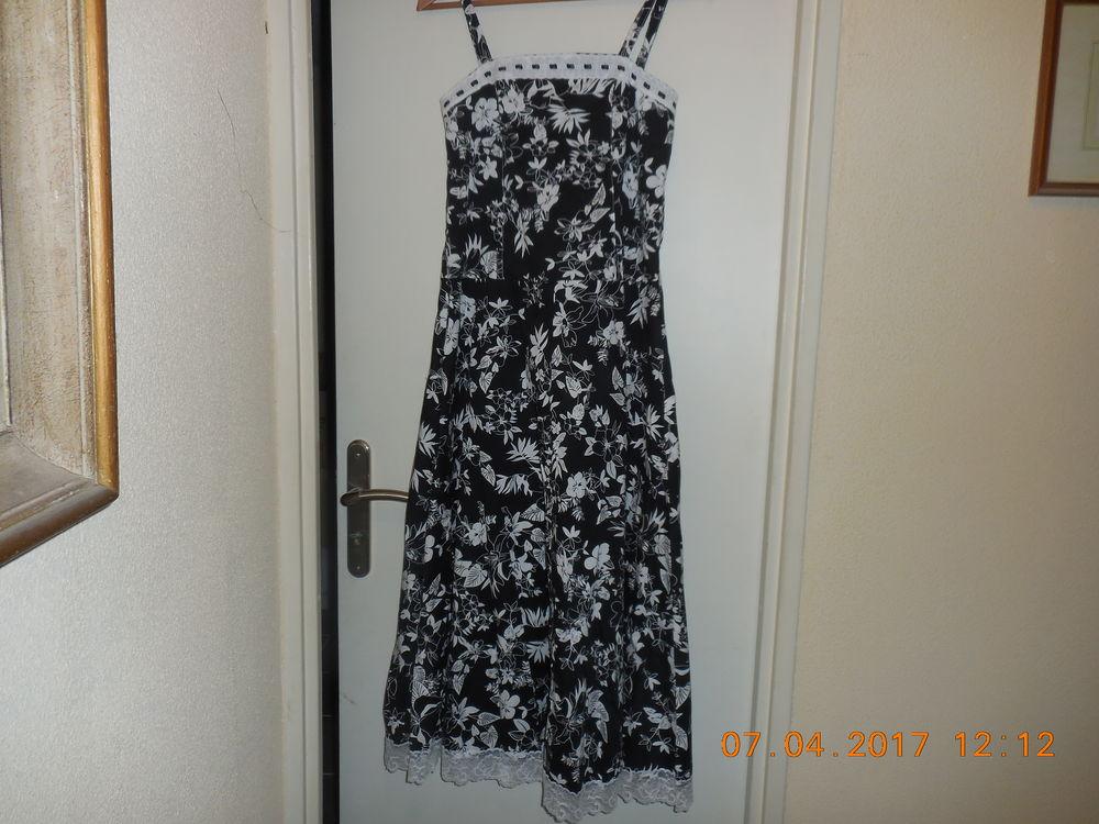 robe bretelle 8 Sète (34)