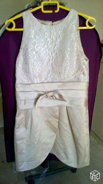 Robe ceremonie courte 15 Saint-Maximin-la-Sainte-Baume (83)
