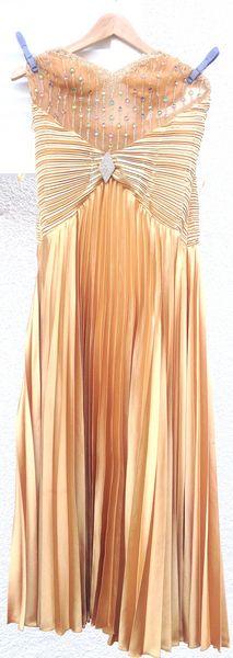 Robe de cérémonie 100 La Verpillière (38)