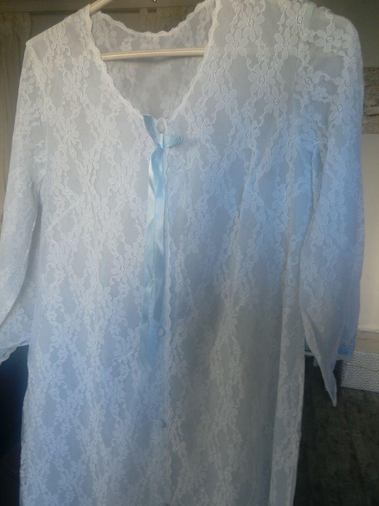 Robe de chambre dentelle 13 Toulon (83)