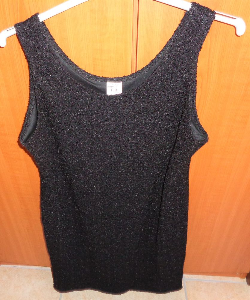 robe chasuble noire  t44/46 24 Argenteuil (95)