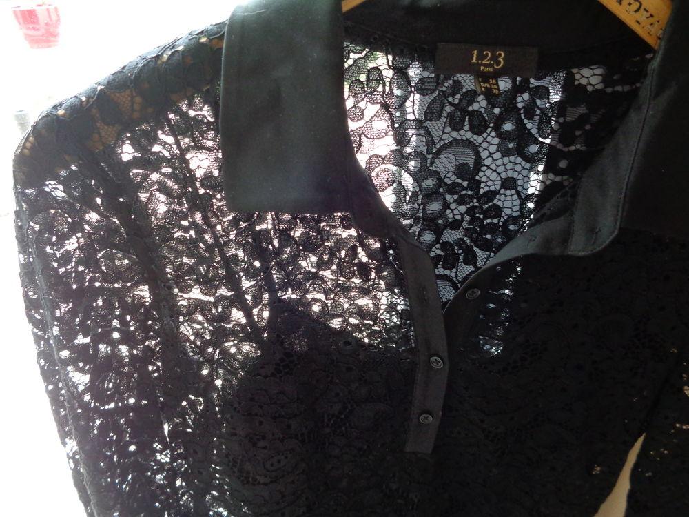 robe-chemisier en dentelle noire  25 Les Sables-d'Olonne (85)