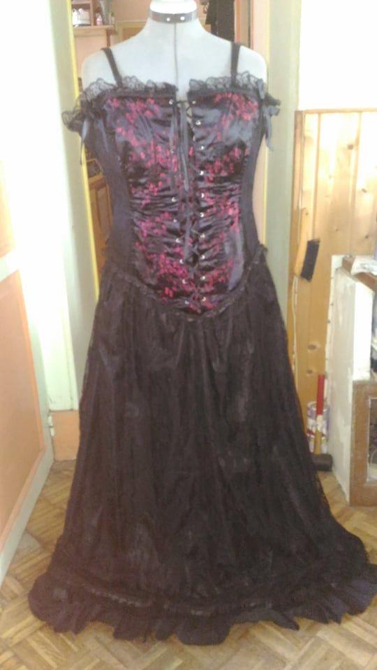 Robe corset longue gothique 45 La Mothe-Saint-Héray (79)