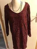 robe dentelle bordeaux  taille 38/40 soit S 12 Saint-Genis-Laval (69)