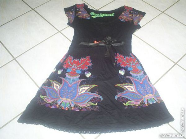 Robe DESIGUAL Taille M 30 Geneuille (25)