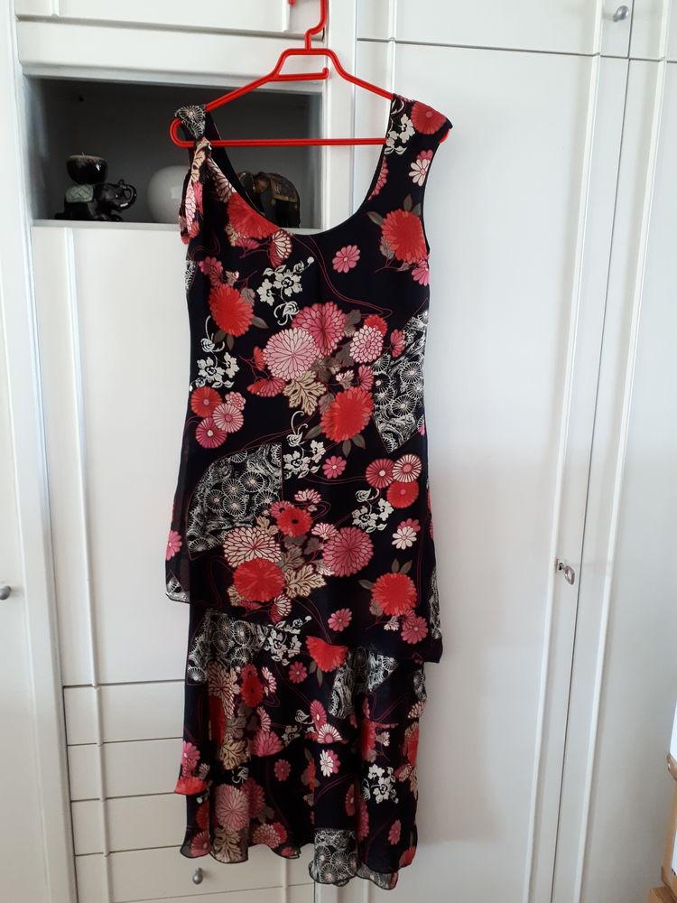 Robe élégante et féminine marque Atte - 40 TBE 30 Villemomble (93)