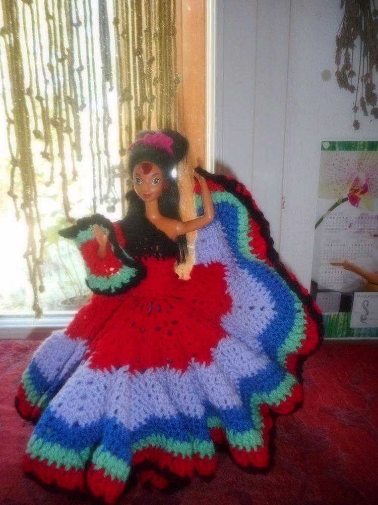 robe espagnole crochetée main pour poupée mannequin,barbie.. 0 Lignan-sur-Orb (34)
