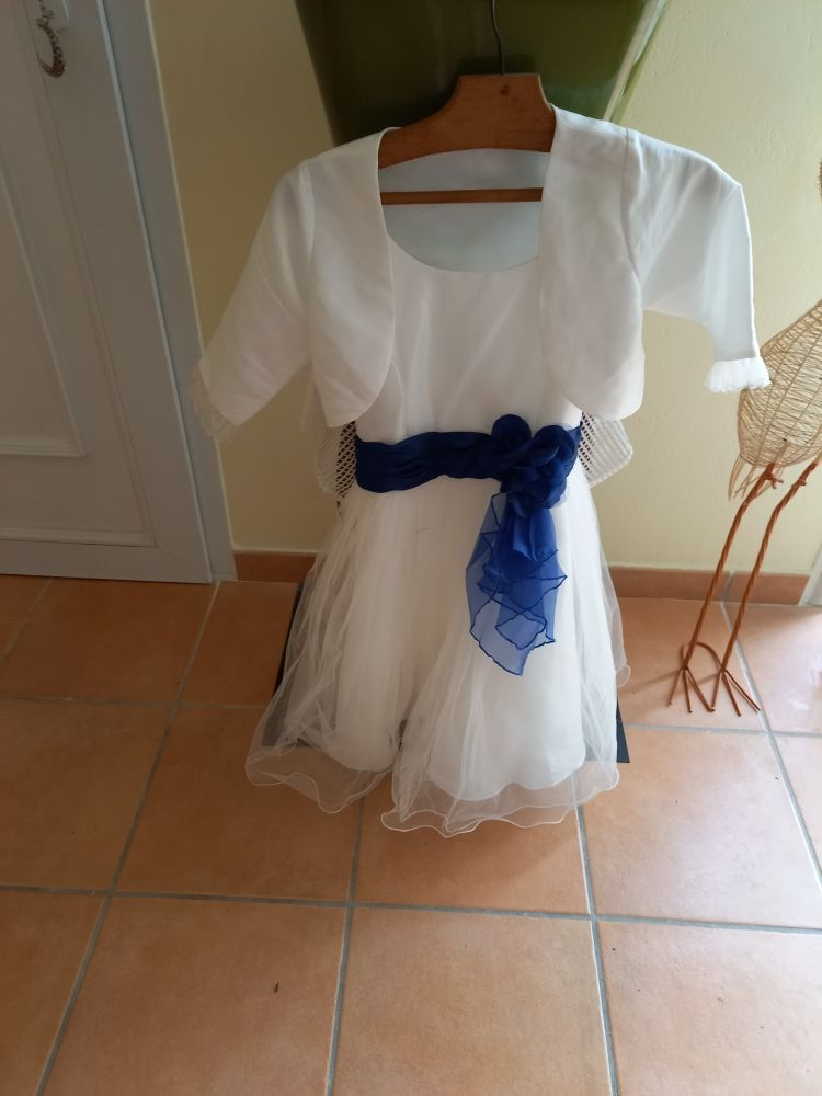 robe fille bon état blanche 55 La Varenne (49)