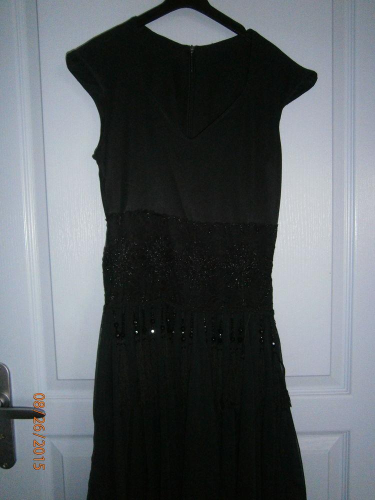 ROBE habillée 35 Saint-Gilles Les Bains (97)