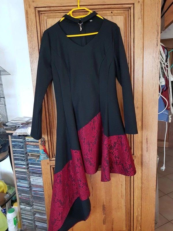 Robe d hivers noire et rouge asymétrique neuve taille xxl so 25 Viriat (01)