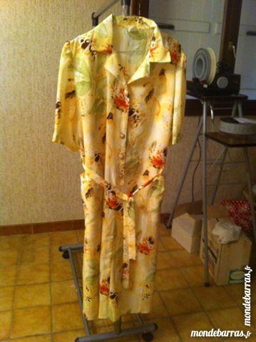 Robe jaune paille taille 48 (geo20) 15 Saint-Vallier (71)