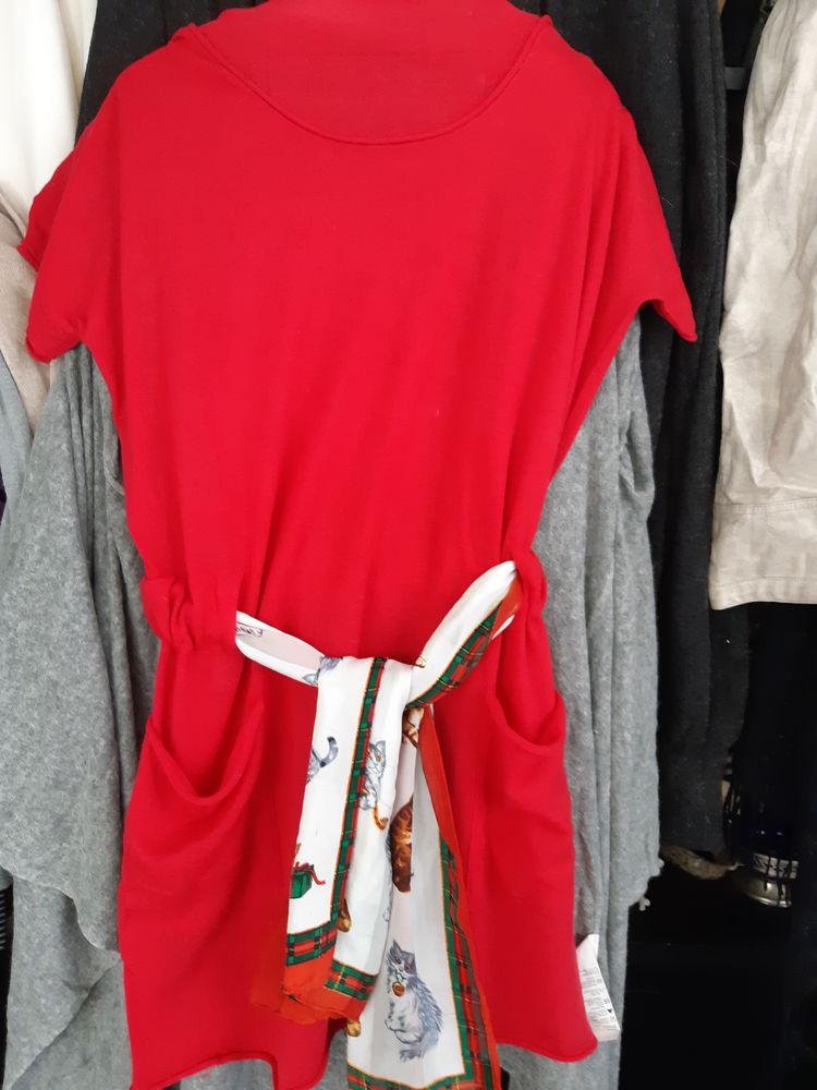Robe en laine rouge avec foulard 14 Châtenay-Malabry (92)
