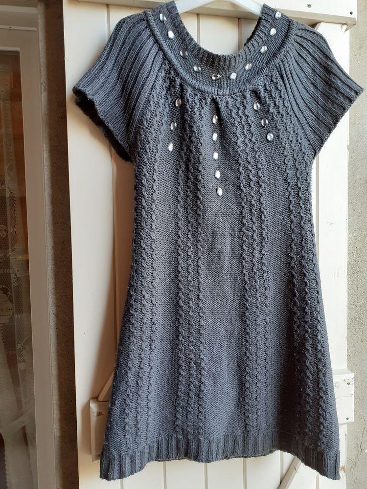 Robe en laine taille M 12 Grisolles (82)