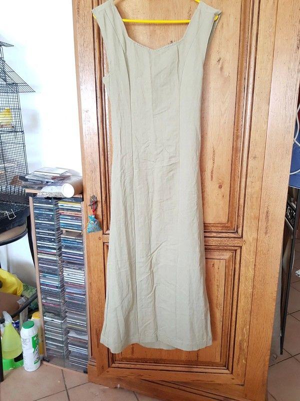 Robe longue neuve dos nu couleur ficelle faite par un stylis 17 Viriat (01)