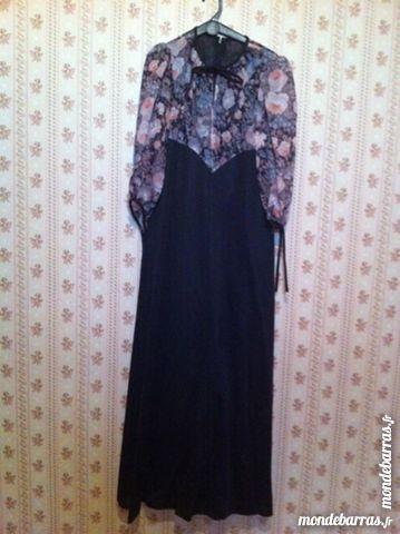 robe longue noire taille 38 30 Saint-Vallier (71)