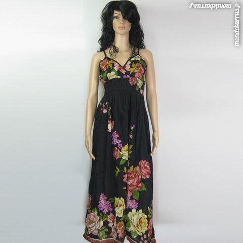 8854371a324 Robe longue noire fleurie Vêtements