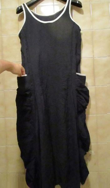 Robe longue sans manche, noire ou bleu nuit 34 ou 36 17 Nice (06)