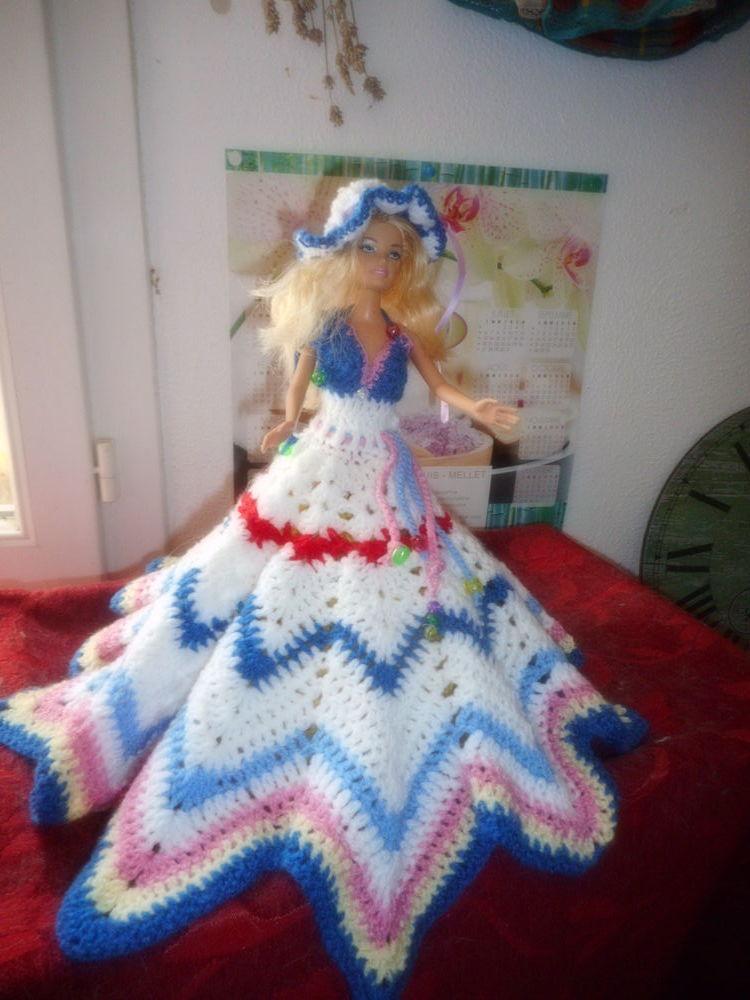 robe longue sans manches crochetée mains pour barbie 0 Lignan-sur-Orb (34)