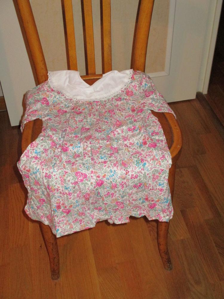 Robe à longues manches sur fond rose fleuri col blanc 0 Mérignies (59)