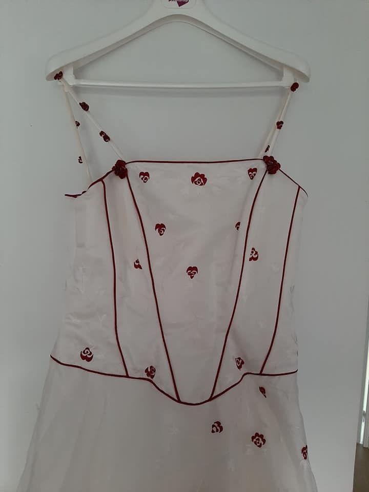 Robe de mariée accessoires et chaussure  800 Sainte-Luce-sur-Loire (44)