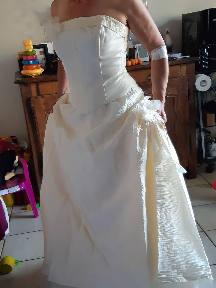 Robe de mariée couleur ivoire 0 Jumeaux (63)