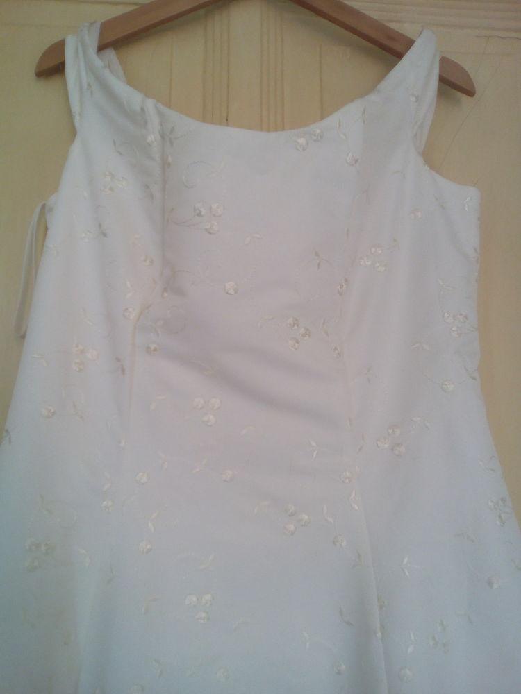Robe de mariée et de soirée 390 Bourg-de-Thizy (69)