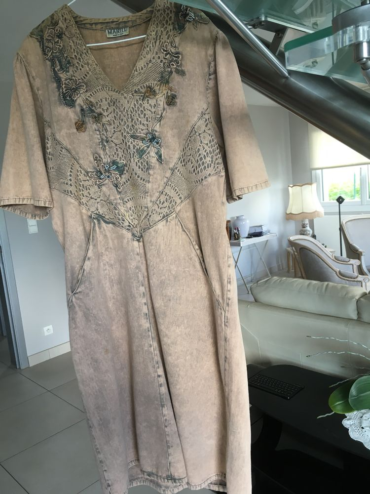 robe MARILU - T. 42/44 - tissu jean - originale - Vêtements