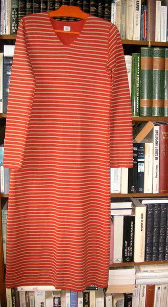 Robe    marque PETIT BATEAU   épaules 36cm aisselles 44     6 Saint-Quay-Portrieux (22)
