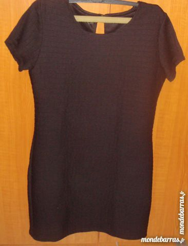 robe noir robe t38:40 doublé tarif réduit fêtes 22 Argenteuil (95)