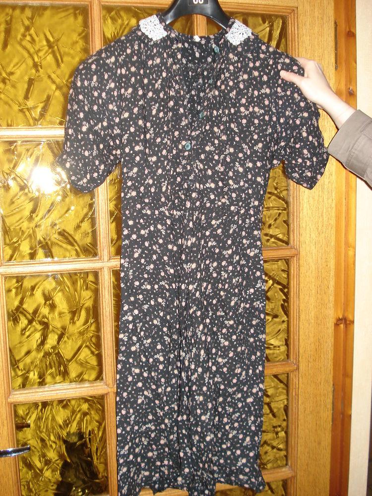 robe noire avec motifs VINTAGE Vêtements