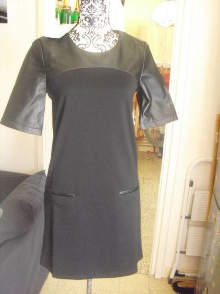 robe noire bi matière simili cuir NEUVE étiquettée TAILLE 36 15 Lyon 5 (69)