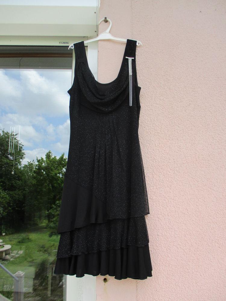 Robe noire pailletée argent T 38. 20 Le Vernois (39)