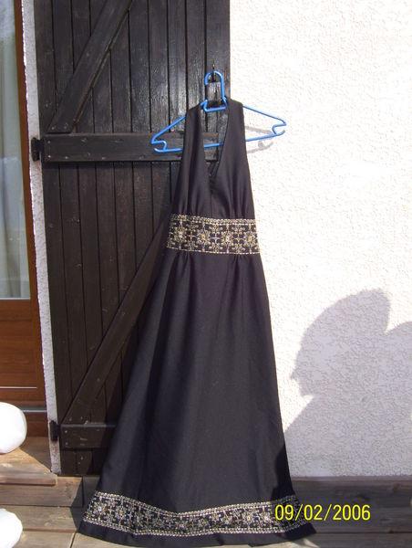 robe noire de soirée 30 Martignat (01)