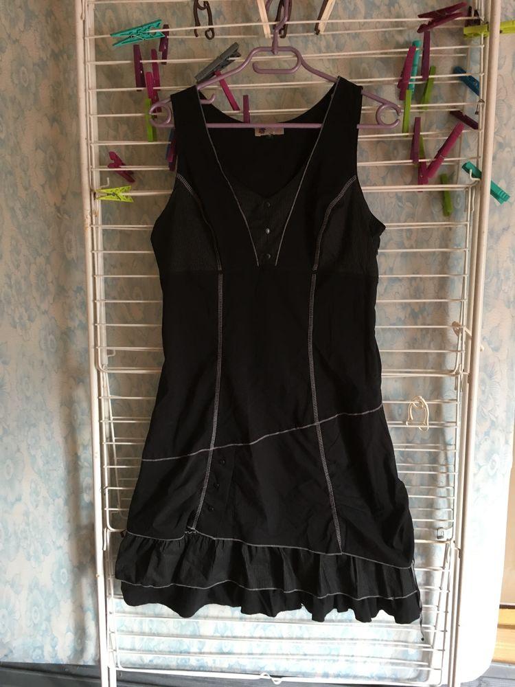 robe noire sympa 10 Sainte-Honorine-des-Pertes (14)