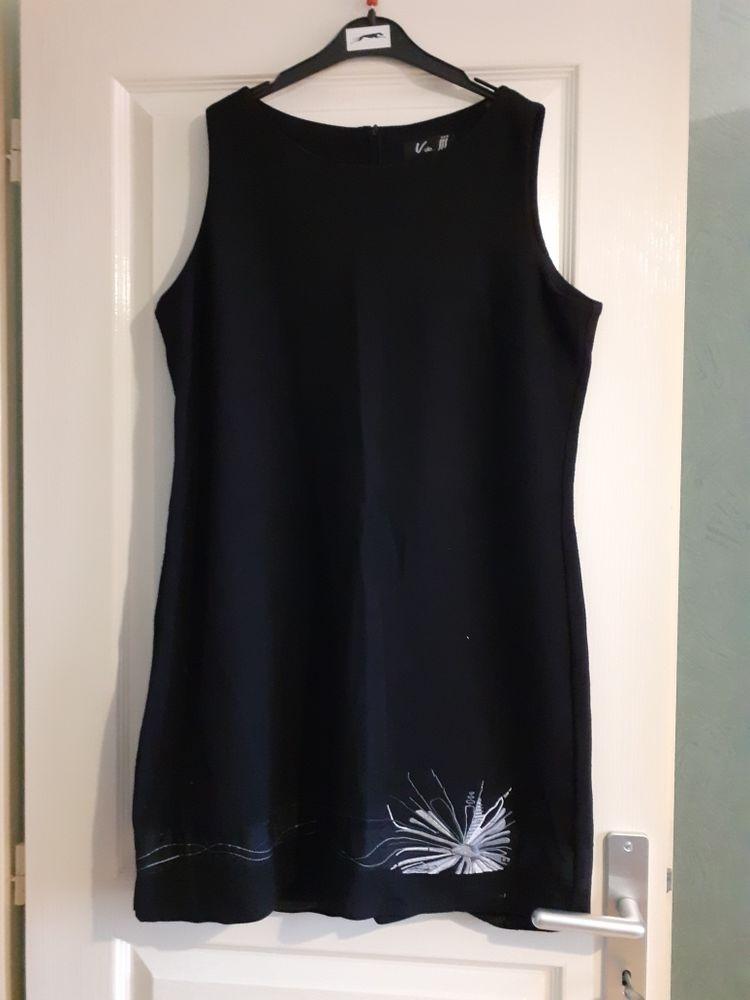 Robe noire V de jjj 42/44 15 Montcarra (38)