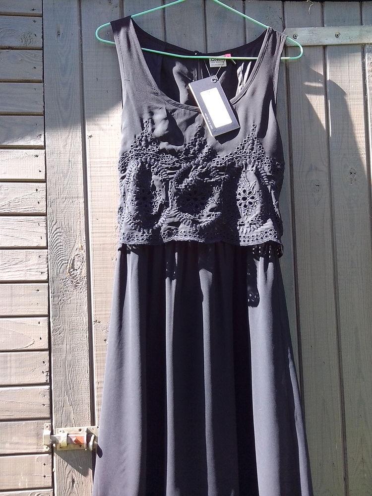 Robe ONLY neuve noire T40 8 Plœuc-sur-Lié (22)