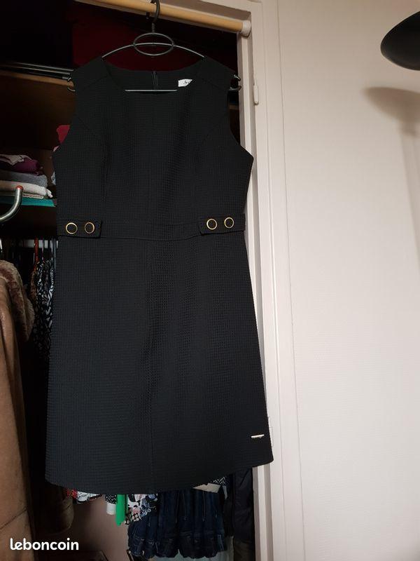 robe Jus d'orange noire 25 Noisy-le-Grand (93)
