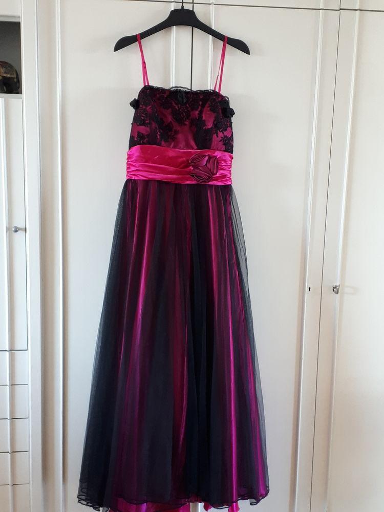 Robe originale de cérémonie noir / fuschia- 120 euros - TBE 140 Villemomble (93)