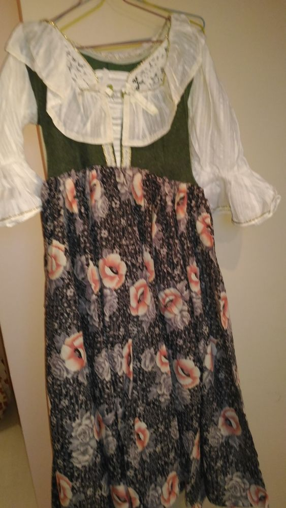 robe paysanne Femme (déguisement) Vêtements