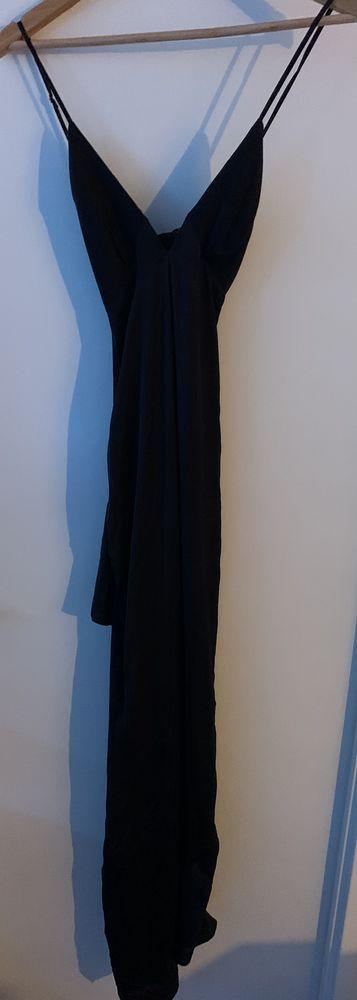 Robe de soirée GUESS  215 Rouen (76)