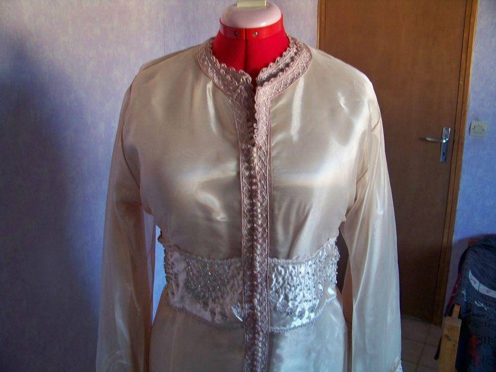 robe   de soirée   80 Tremblay-en-France (93)