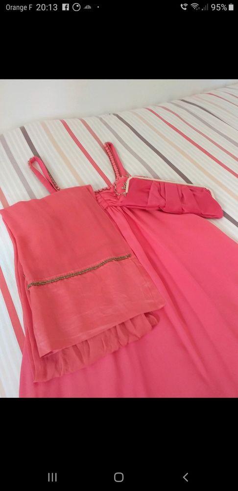 Robe de soiree  30 Couilly-Pont-aux-Dames (77)