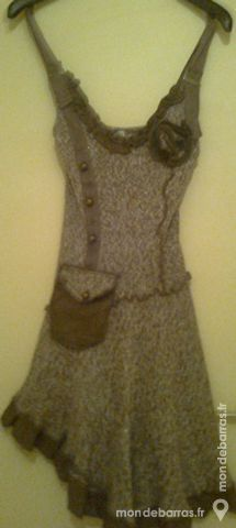 robe taille 36/38 en laine Vêtements