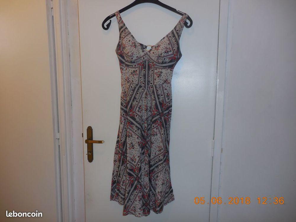 robe dos nu 0 Sète (34)