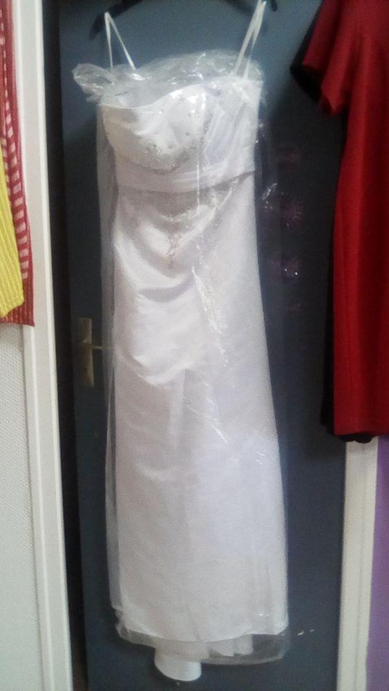 robes mariée blanc ,rose . 100 Les Sables-d'Olonne (85)