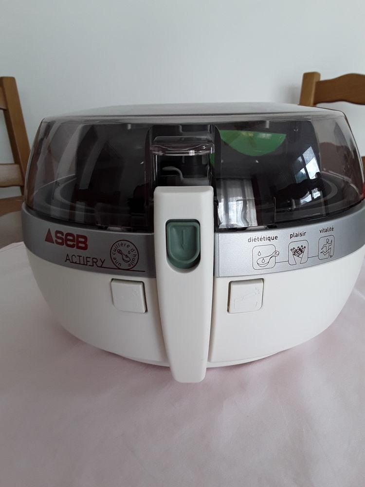 Robot Actifry  110 Hyères (83)