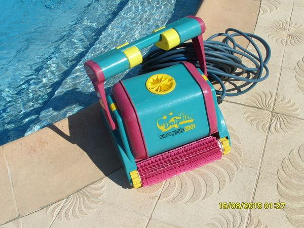 robo piscine top meilleur robot de piscine comparatif. Black Bedroom Furniture Sets. Home Design Ideas