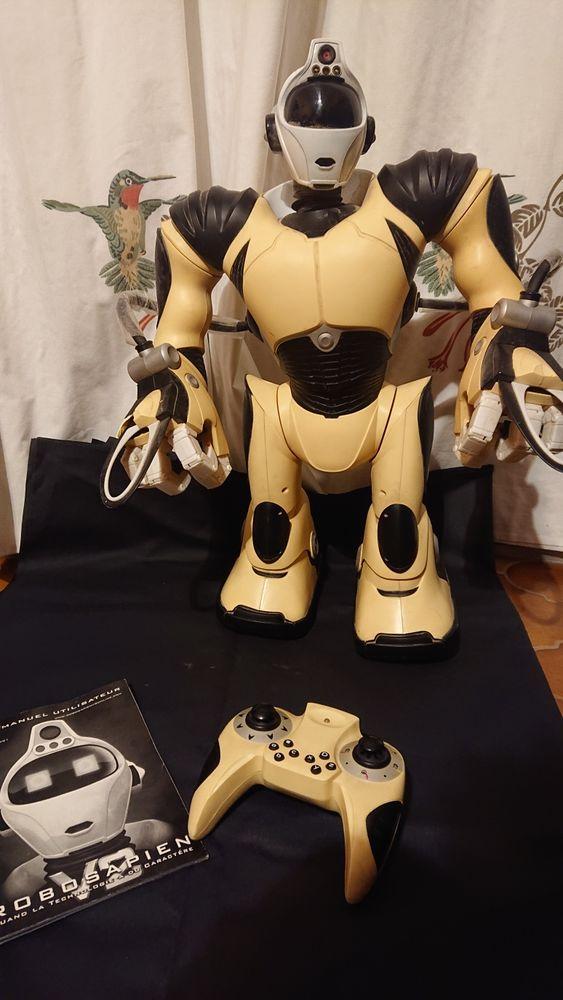 Robot sapien V2 avec manette et notice 250 Carnoules (83)