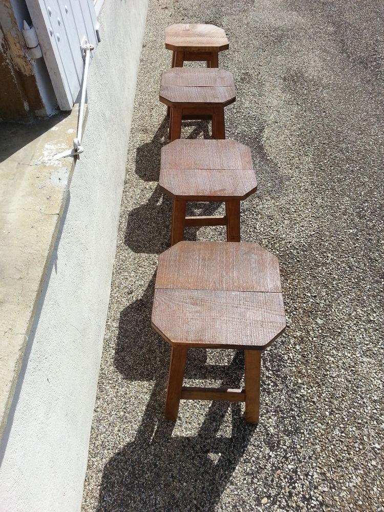 4 robustes tabourets en bois dur, dessus en fresne 119 Saint-Clair-sur-Galaure (38)
