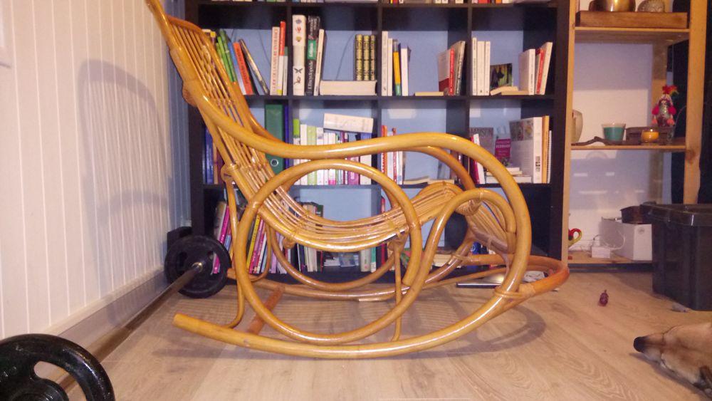 Rocking chair confort en rotin  45 Saint-Gingolph (74)